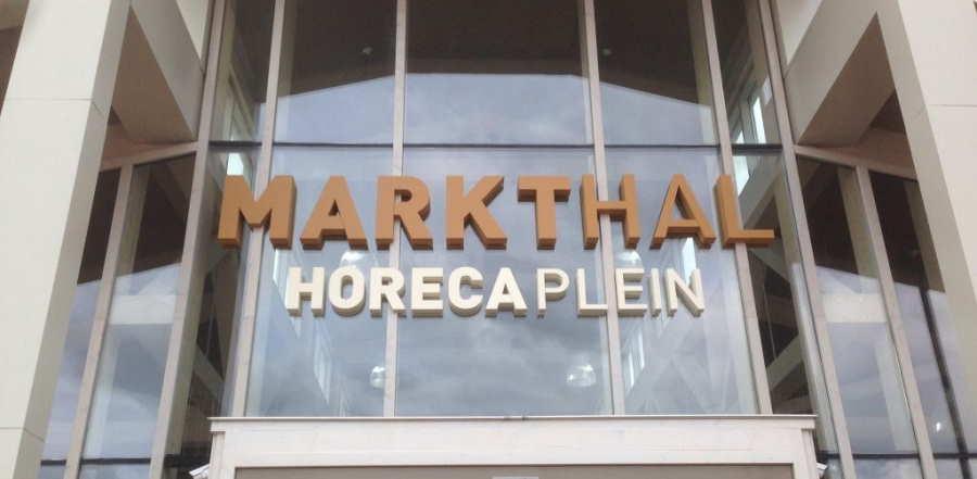 piepschuim letters en logo's